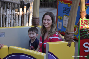 Disneyland Photography Tips - 11 Tips for Getting Great Photos Your Family Will Treasure
