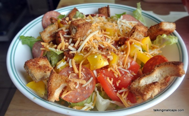 Pizza Salad - talkinginallcaps.com