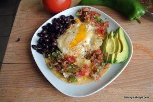 Huevos Rancheros - easy meals - talkinginallcaps.com