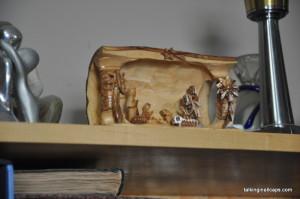 A 9 Month Pregnant Mom's Christmas Home Tour - Nativity - talkinginallcaps.com