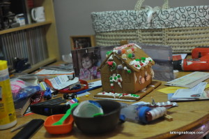 A 9 Month Pregnant Mom's Christmas Home Tour - Gingerbread House - talkinginallcaps.com