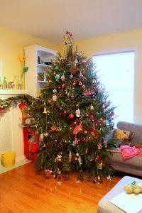 messy xmas - Christmas Tree - talkinginallcaps.com